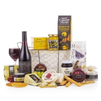 THE CHEESE LOVER FESTIVE HAMPER