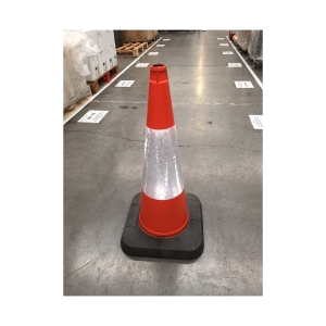 CONE TRAFFIC 750MM C/W SLEEVE